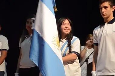 Florencia, orgullosa, porta la Bandera