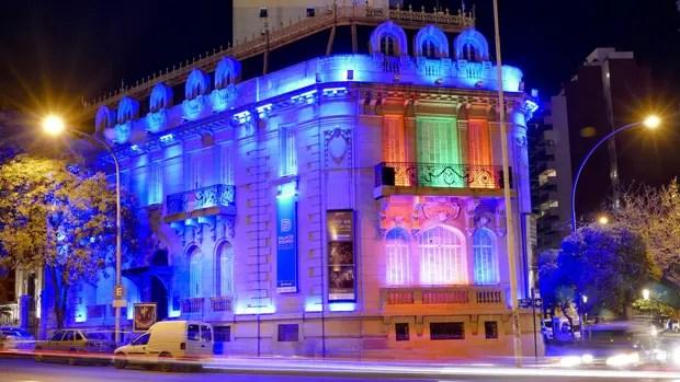 El Palacio Dionisi, frente a plaza España, el primer museo exclusivamente fotográfico
