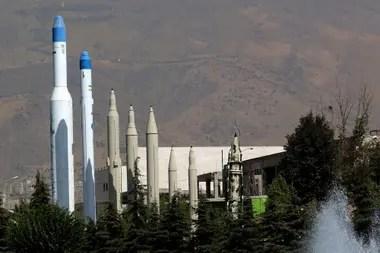 Misiles en el museo de la Revolución Islámica y la Defensa Sagrada de Teherán
