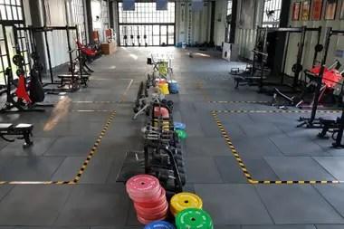Los ejercicios de gimnasio fueron uno de los tres rubros en los que se prepararon los Pumas en la jornada inicial.