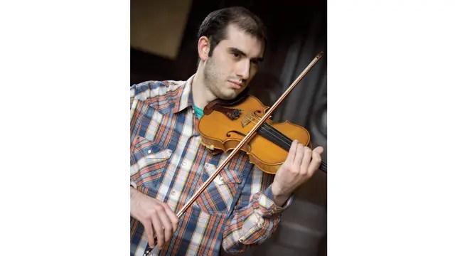 Xavier fue a estudiar a Viena cuando tenía 16. Fue un año bueno en lo musical, pero no terminó de adaptarse a la cultura