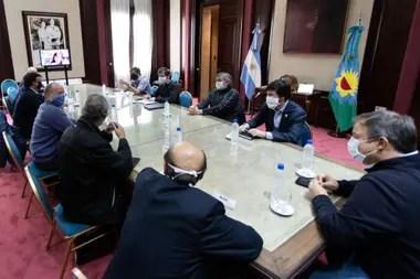Axel Kicillof recibió a los intendentes peronistas junto a Máximo Kirchner
