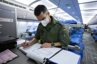 El avión tiene una capacidad de 44 camas
