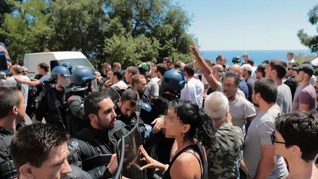 Cientos de manifestantes en Lupino, Bastia