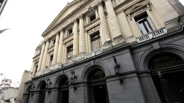 El frente del centenario edificio de la calle México 564