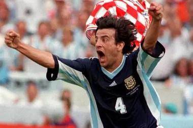 Mauricio Pineda celebra sul gol a Croacia en Francia 1998