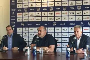 Mario Ledesma reemplazará a Daniel Hourcade como entrenador de los Pumas