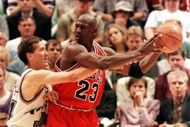 Michael Jordan, la pelota y Chicago Bulls: una imagen que no vence