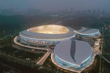 Otra imponente obra arquitectónica: el futuro estadio Cinco Anillos, de Wuhán.