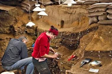 Tiene, al menos, 30.000 años más que cualquier otro boceto, dijeron los investigadores en un reporte que fue publicado el miércoles en la revista Nature