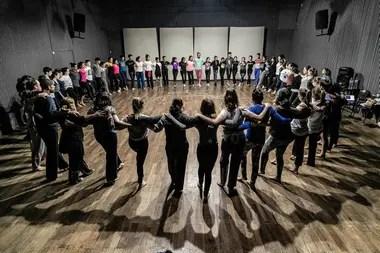El Movimiento Federal de Danza, que trabaja por una Ley Nacional, transmitirá desde siete regiones del país