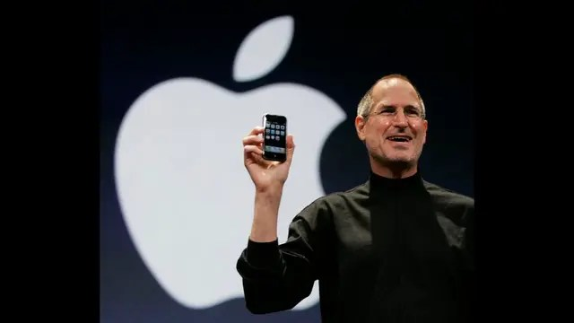 Jobs en 2010 al presentar el iPhone