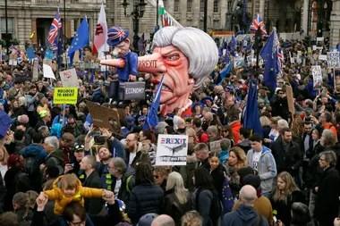 Manifestantes anti-Brexit cubrieron Trafalgar Square y otras zonas de Londres