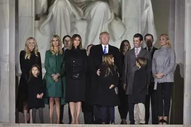 Una investigación del diario asegura que el presidente recibió al menos 413 millones de dólares del imperio de bienes raíces de su padre