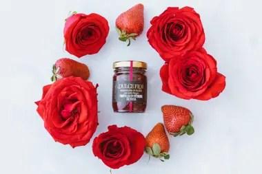 Para sus primeras recetas utilizó pétalos de tres rosales de su jardín