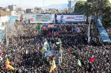 Según la TV iraní, más de un millón de personas asistieron al funeral de Soleimani