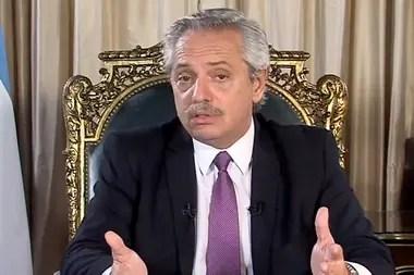 El Presidente convocó a Axel Kicillof y Horacio Rodríguez Larreta para definir la suspensión de clases