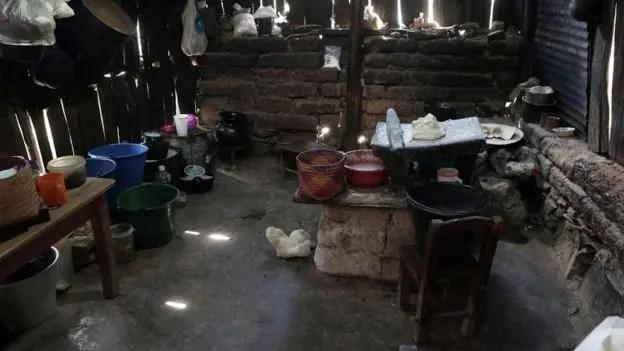 Los atacantes ingresaron a la casa de la familia y ahí asesinaron a nueve adultos y dos niños; otros dos menores resultaron heridos