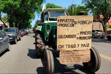 El tractor de Belkis en la protesta en Pergamino