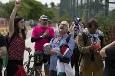 Los manifestantes que reclamaron contra el amistoso entre Argentina e Israel