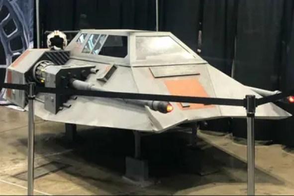 Las naves de Star Wars adornan los pasillos de la convención