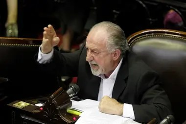 El diputado Hugo Yasky, referente de la CTA, había firmado la propuesta que proponía crear el impuesto Patria; acompañará el proyecto de Carlos Heller
