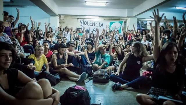 Las asambleas se celebraron en un local de Chacarita y asistieron mujeres de cien organizaciones