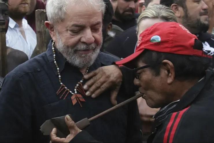 Lula recibe apoyo de grupos indígenas en el estado de Paraná