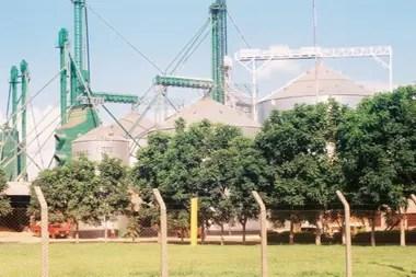Silos de soja en Paraguay
