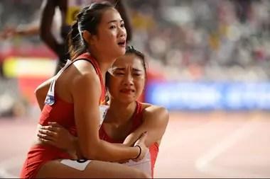 Manqi Ge llora, Liang Xiaojing trata de consolarla: la escena conmovedora del Mundial Doha 2019