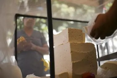 El presidente no supo decir cuánto cuesta el queso