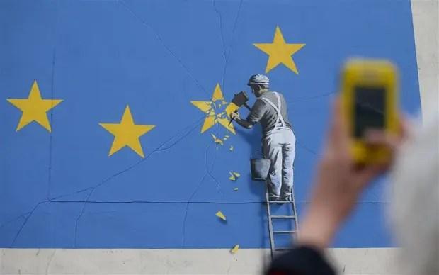 Uno de sus últimos murales, hecho en Dover, estuvo insporado en el Brexit