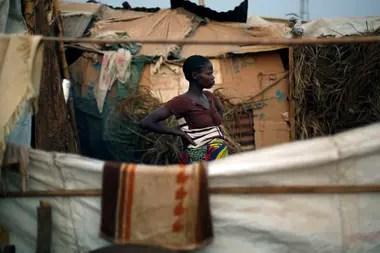 Los combates entre grupos armados en la República Centroafricana obligaron el año pasado a decenas de miles de habitantes a abandonar sus hogares