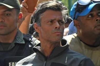 16 costillas fracturadas y el tabique roto: tras la autopsia, convocan a una marcha por la muerta del capitán Acosta