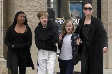 Angelina Jolie along with their children, Sahara, Shiloh and Vivviene