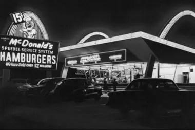 Una réplica del primer McDonalds, que ahora es un museo.