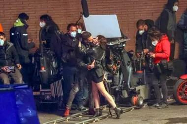 Filmación de La Casas de Papel temporada 5. Ursula Corbero y Miguel Angel Silvestre se besan en el set de La Casa de Papel