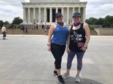 Emily y Jeniffer, dos hermanas que se reencontraron luego de más de un mes.
