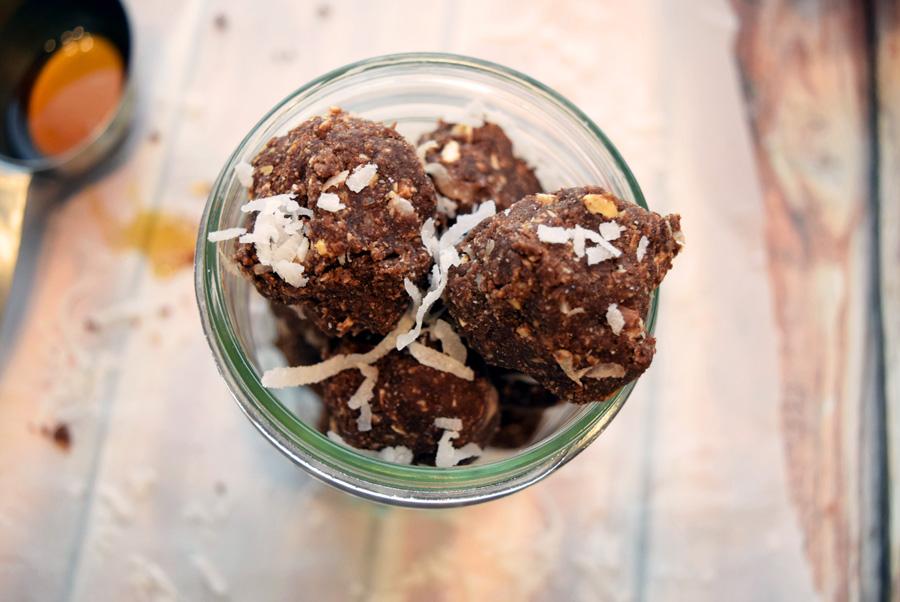 Fudgey-Chocolate-Coconut-Bites2