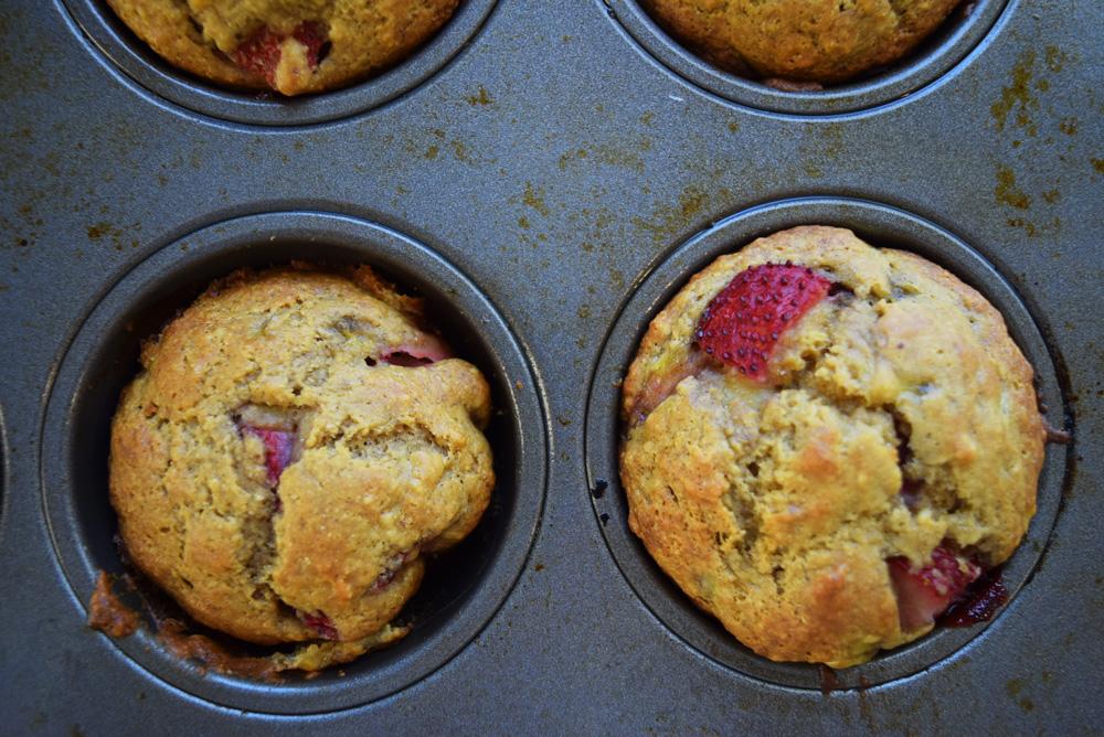 Strawberry Banana Chickpea Muffins, gluten free, muffins
