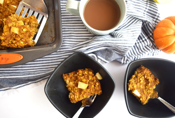 Apple Pumpkin Pie Baked Oatmeal is an easy, hearty breakfast option for on the go and for a crowd. Full of fiber, vitamins and spice, this baked oatmeal will have your whole kitchen smelling like fresh fall.