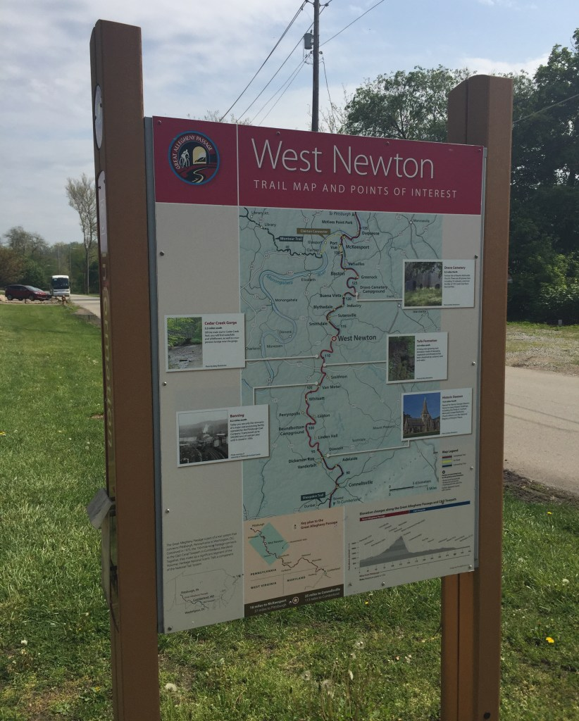 Maps along the way help link the towns to the trail.