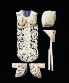 1650 - 1700 christening lace to be worn over swaddling clothes from V&A for www.buckinghamvintage.co blog