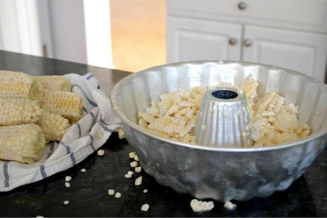 Bundt pan for corn