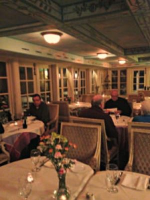 Barley Sheaf dining room