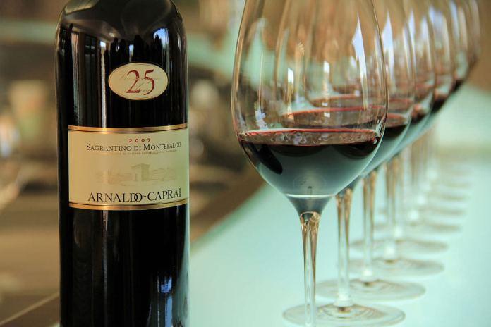 Sagrantino_di_Montefalco_wine_Wikimedia