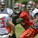 Bucs Sign 8 Players to Practice Squad