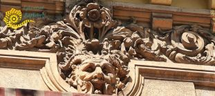 Hai să o vedeți și în plin soare! Casa dei Mascheroni din Lascăr Catargiu, nr.18.