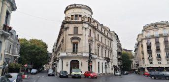 Imobilul de la intersecția străzii Georges Clemenceau (fostă Corabia) cu strada Episcopiei
