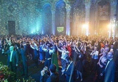 """Revelion 2018 """"Glamour Party"""" la PALATUL PARLAMENTULUI"""